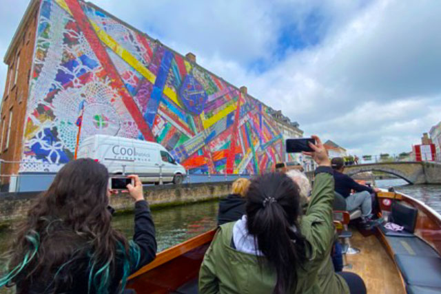 Boat tour in Bruges